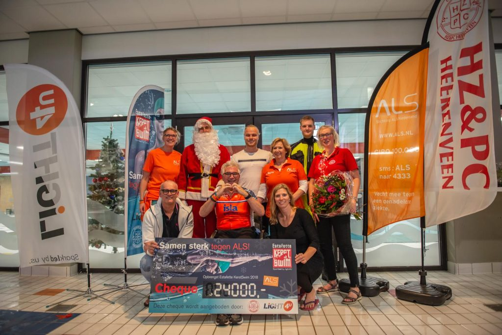 KerstSwim against ALS sparkled by Light4U